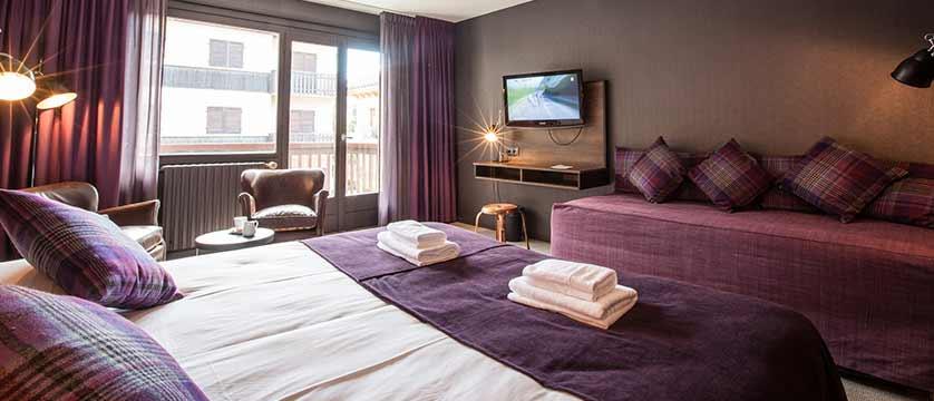 Hotel Pointe Isabelle, Chamonix, France - bedroom.jpg